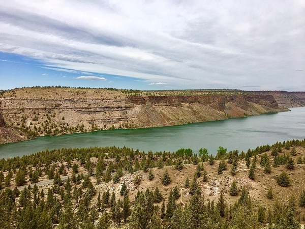 Scenery along the Tam-a-lau Trail at Cove Palisades State Park. Photo by Andi Prewitt.