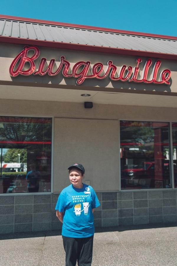 An employee at the Southeast Portland Burgerville (Daniel Stindt)
