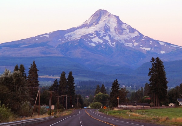 Highway 35 and Mount Hood. (Peter Murphy, Oregon Department of Transportation)
