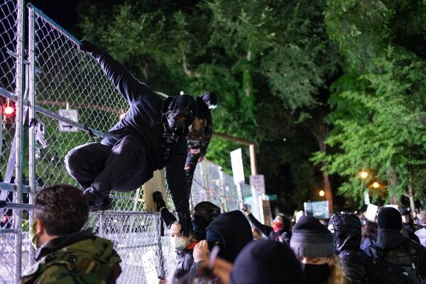 For 16 Nights, Familiar Patterns From Police and Protesters Emerge ...