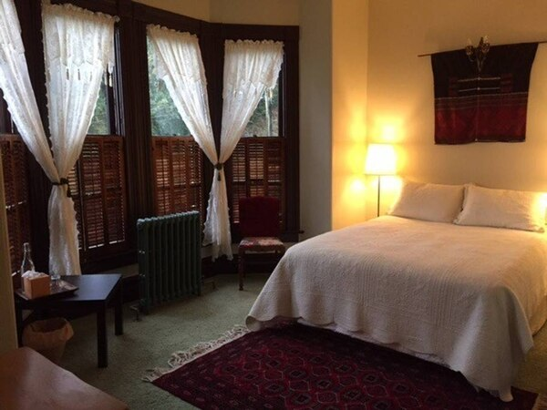 The bedroom at the Fisher House. (Airbnb)