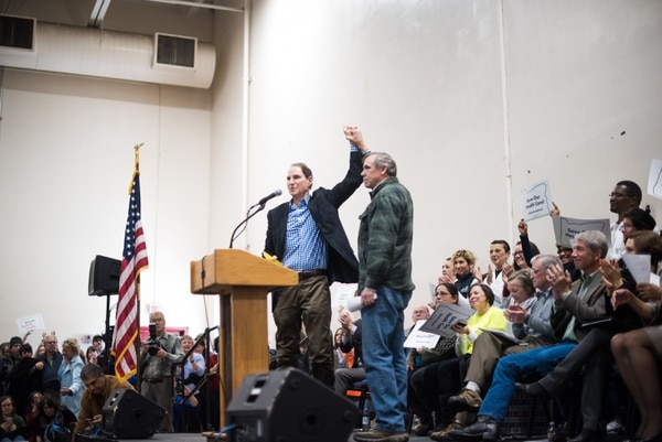 U.S. Sens. Ron Wyden and Jeff Merkley at a rally to save Obamacare on Jan. 15, 2017. (Joe Riedl)