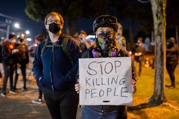 Protesters at the Portland Police Bureau's East Precinct. (Wesley Lapointe)