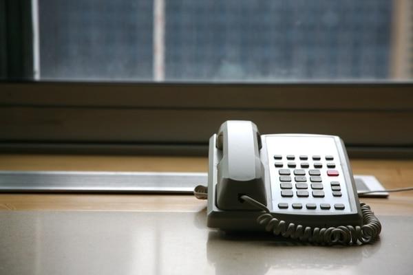 Desk phone (PxHere / Creative Commons)