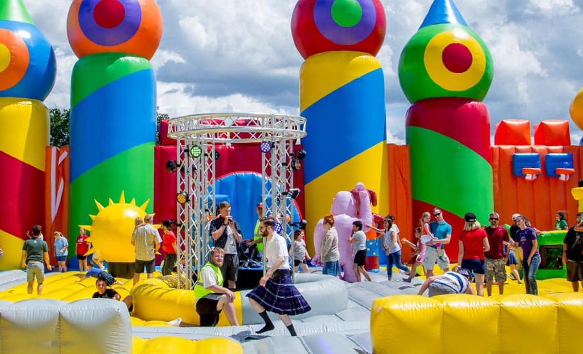 these are the rules to follow at the worlds largest bounce house which comes to the portland area this weekend - Biggest House In The World 2017