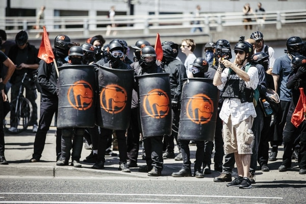 On Aug. 4, 2018, antifascists returned to the streets wearing armor with Soviet-inspired insignia. (Sam Gehrke)