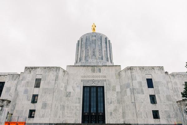 Oregon Capitol. (Justin Katigbak)