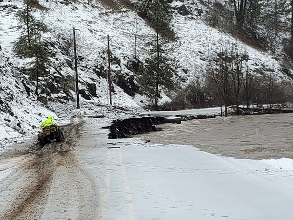 Bingham Road crumbles in flood, Feb. 9, 2020. (Umatilla Search and Rescue)