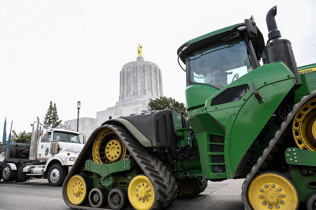 Republican Senators Walking Out of the Legislature to Again Block a Carbon Cap