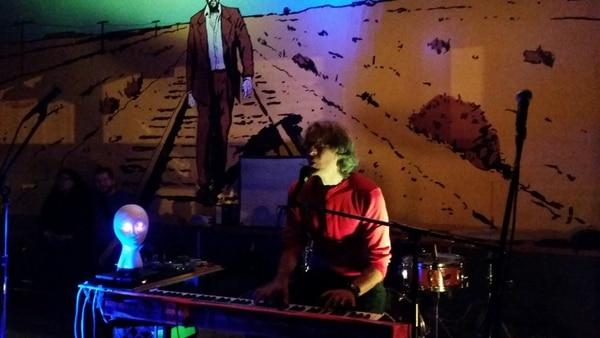 Sam Coomes performing at Bim Ditson's campaign kickoff.