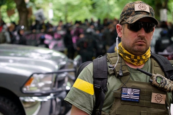 Oath Keepers holding the line on the alt right side (William Gagan).