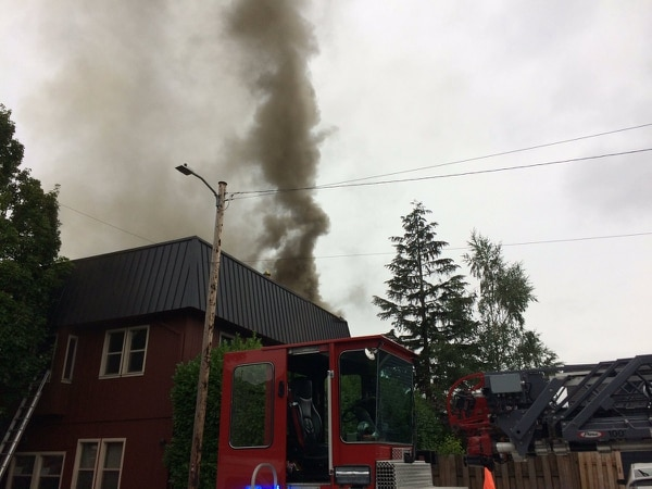 Apartments above Big's Chicken (Portland Fire & Rescue)