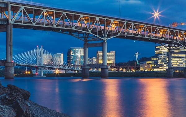 Marquam Bridge and Tilikum Crossing (Tony Webster/Flickr)