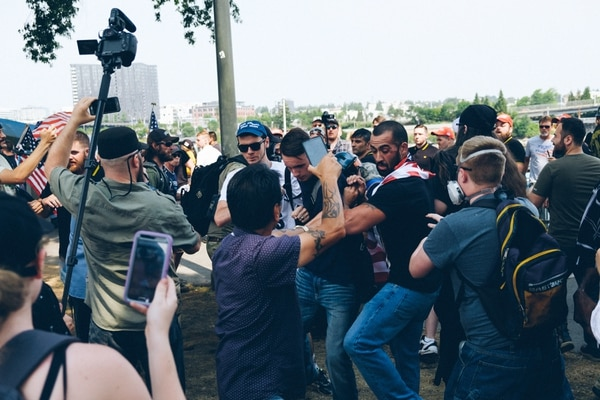 Far-right protesters grapple with antifascists on Aug. 6, 2017. (Daniel Stindt)
