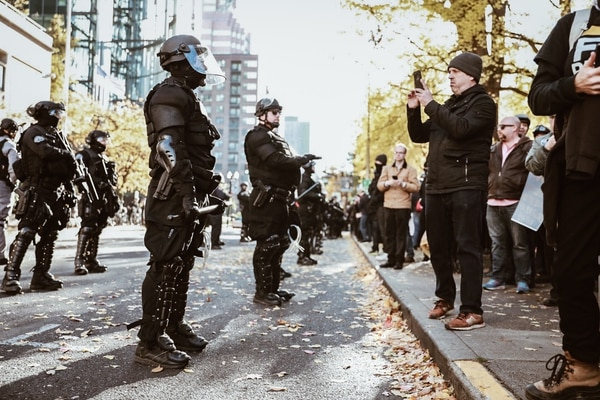 Police and antifascist protesters gather in downtown Portland on Nov. 17, 2018. (Sam Gehrke)