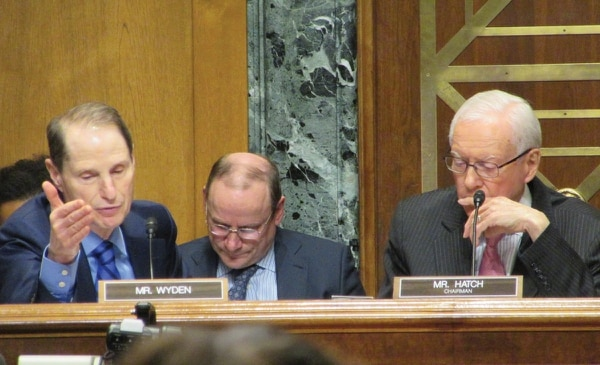 Just asking questions: Sen. Wyden questions President Trump's treasury secretary, Steven Mnuchin, about his off-shore holdings, at a Senate Finance Committee confirmation hearing Jan. 19. (Corey Pein)