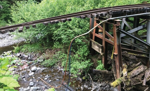 Sheared-off tracks at Kinney Creek. (Aaron Mesh)