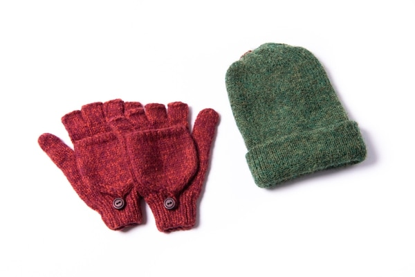 Andes Gifts gloves and beanie. (Thomas Teal)