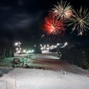 Fireworks display at Mt. Hood Skibowl. (mthoodterritory.com)