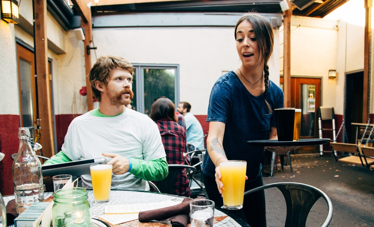 You And Your Friends Can Drink For Free An Hour On Birthday At This Portland Bar