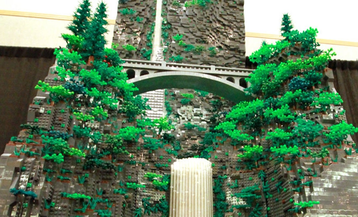 http://www.wweek.com/arts/visual-arts/2017/07/11/hero-portland-man-built-an-8-foot-tall-multnomah-falls-out-of-legos/