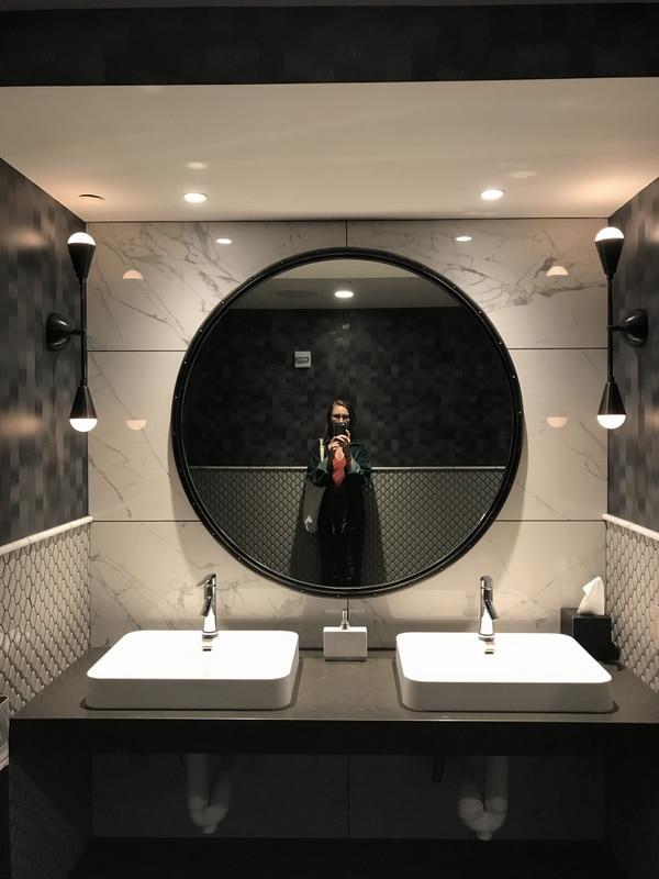 The Duniway Hotel bathroom