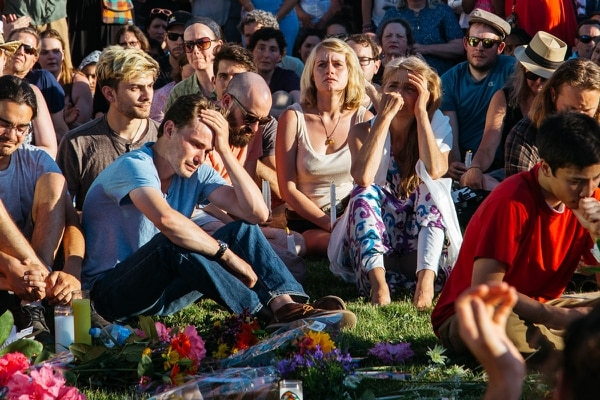 Hollywood Transit Center vigil on May 27, 2017. (Emily Joan Greene)