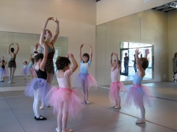 photo from Moxie Contemporary Ballet Facebook