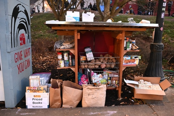 Mutual aid food drops, overflowing with donations. (Justin Yau)