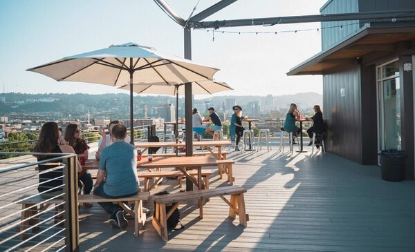 There's Finally a Rooftop Bar in Portland That Makes You ...